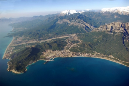 Kemer: beach, nightlife and shopping on the Turkish coast